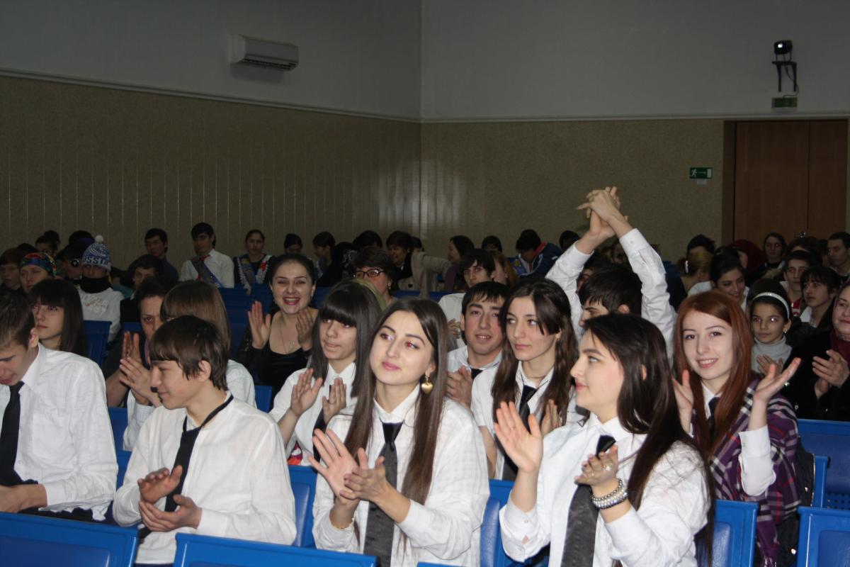 Студент с учительницей 20 фотография